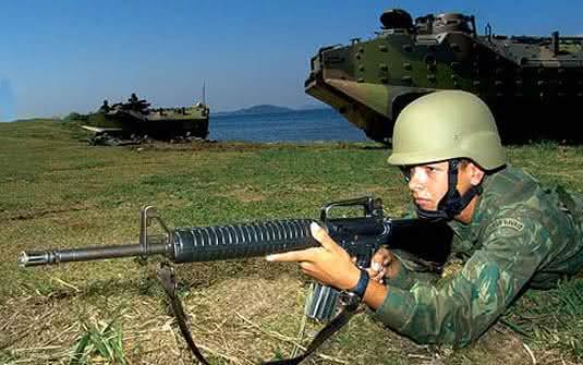 soldados-e-fuzileiros-navais